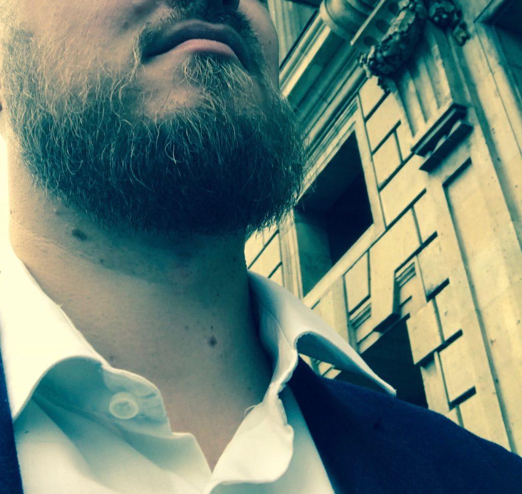Barbe au top grâce à la barbiere de PARIS Hotel de CRILLON